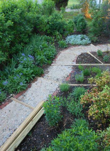 Front Garden1-051314